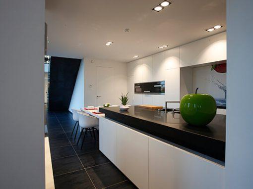 Strakke keukens baens